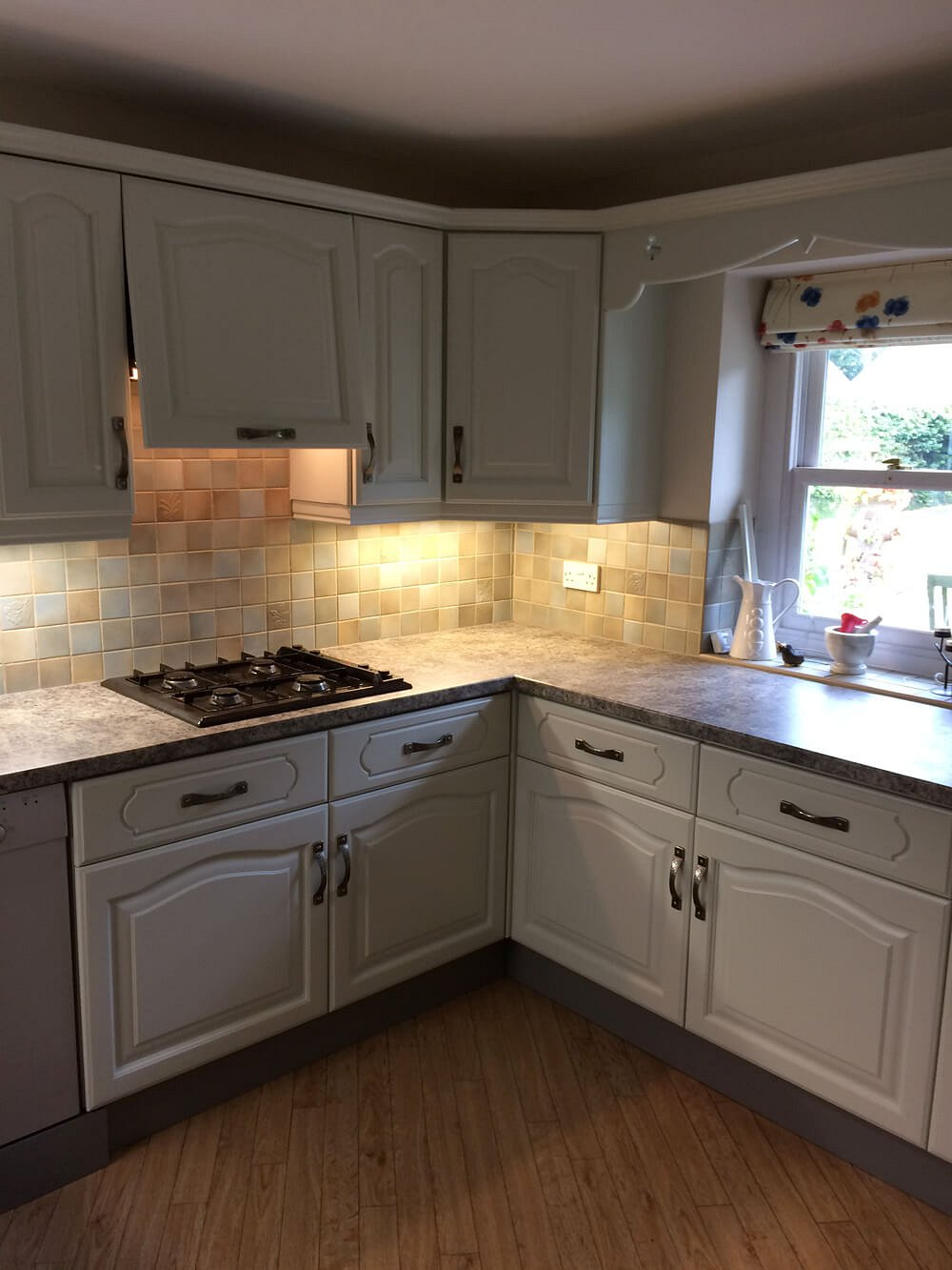 Refinishing an oak kitchen in Scarborough - After
