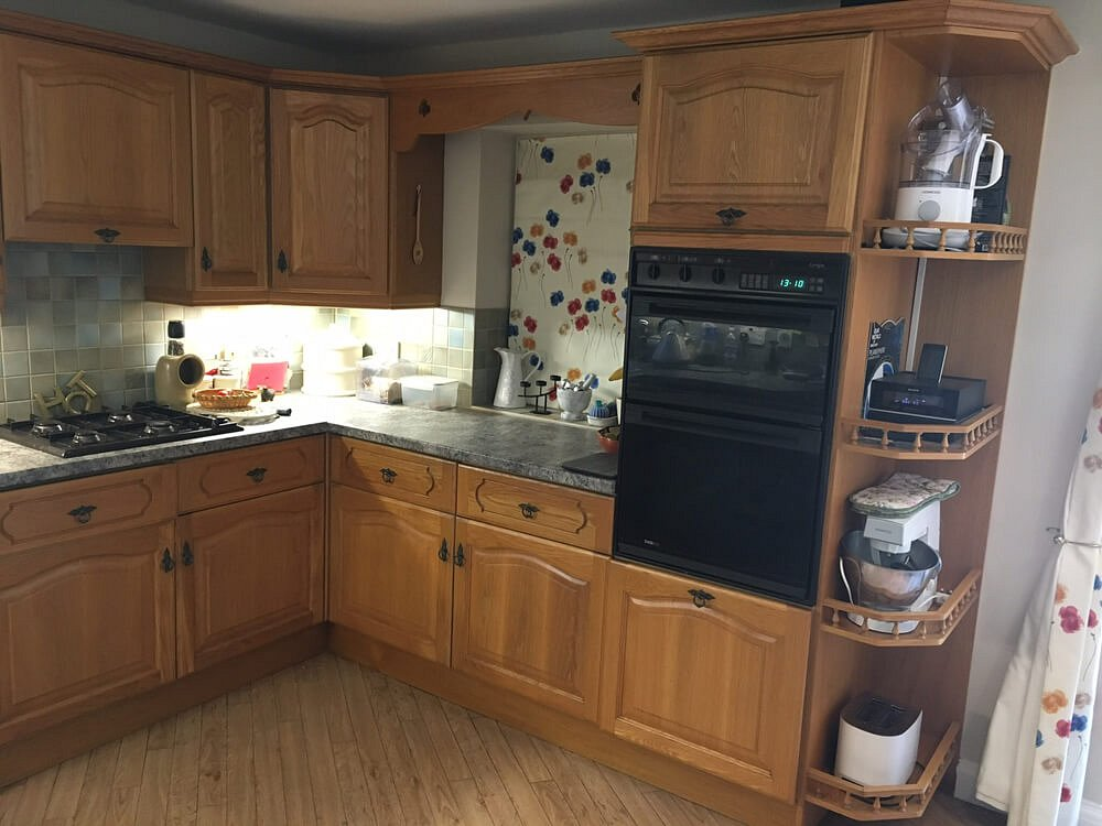 Refinishing an oak kitchen in Scarborough - Before